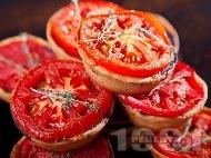 Рецепта Тарталети с кайма и домати във форма за мъфини за закуска или предястие